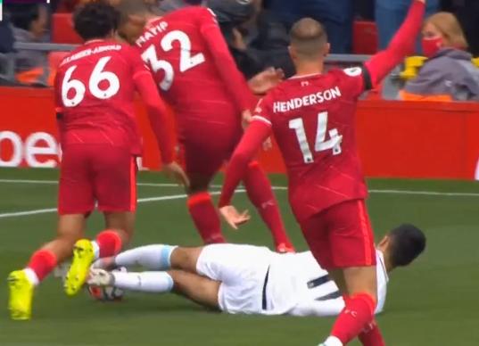 半场-若塔建功萨拉赫进球被吹 利物浦1-0伯恩利