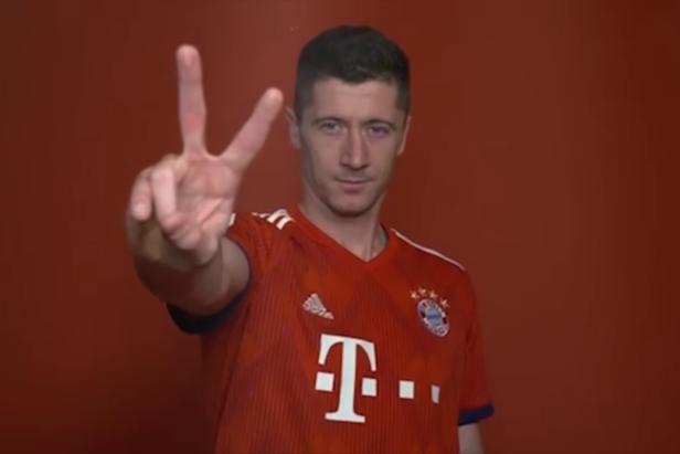 踢球者预测拜仁对阵菲尔特首发:莱万和穆勒领衔