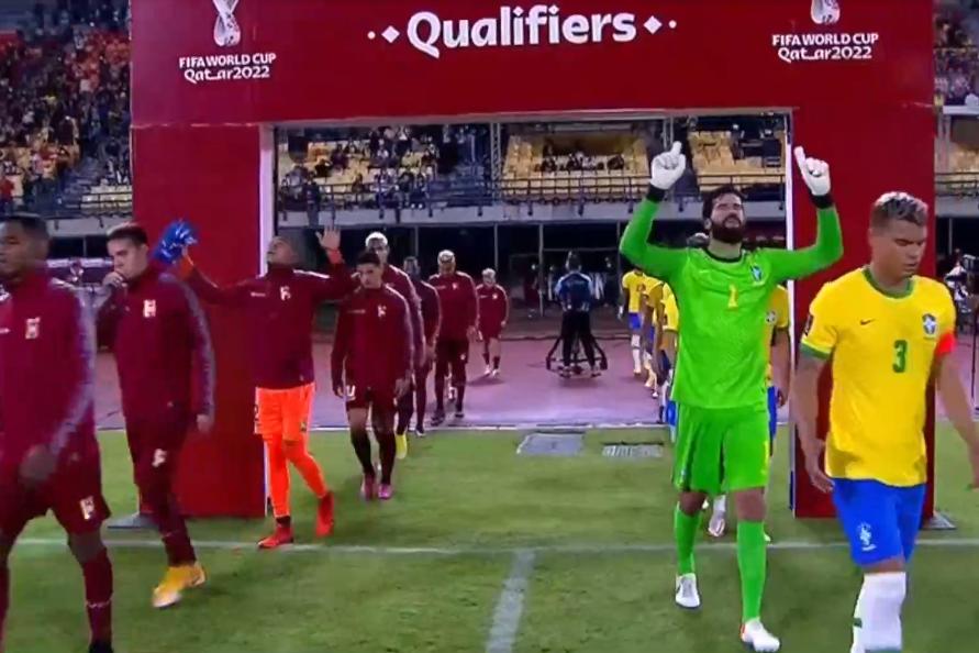世预赛-马尔基尼奥斯破门加比球点射 巴西3-1委内瑞拉
