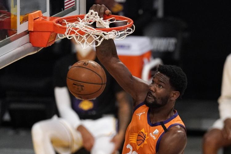 艾顿生涯前8场季后赛命中率均60%+ NBA历史首人