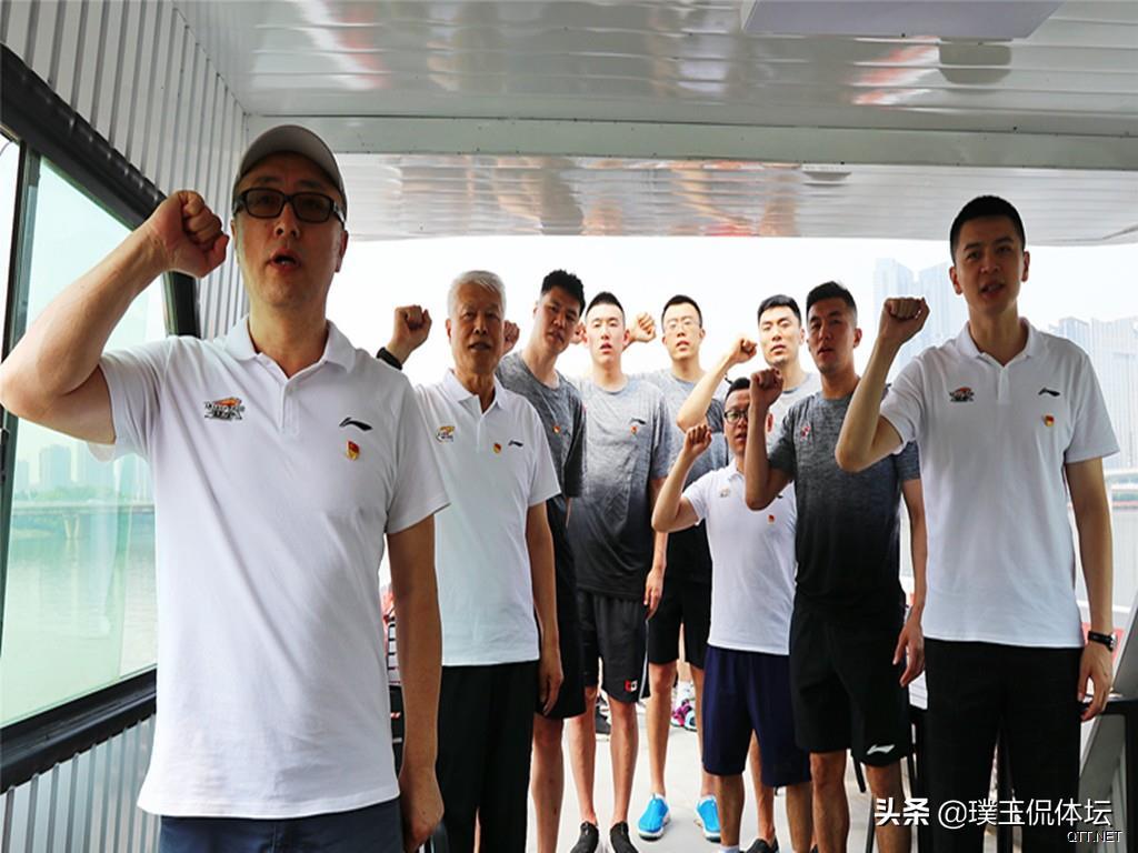 三條消息!中國男籃迎來了好消息 郭的近況 郭士