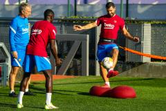 阿奎罗已参加球队训练