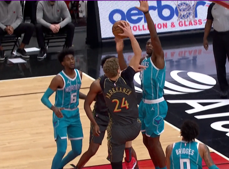 NBA-武切维奇18+16+6 怀特18分 公牛击退黄蜂