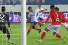 半场:广州1-0山东泰山杨李煜一刀破门