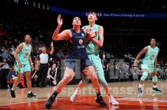 回顾中国女篮两将WNBA季前赛表现 韩旭首秀惊艳