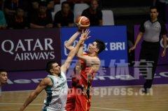 2018雅加达亚运会男篮小组赛,中国男篮红队83-66哈萨克斯坦。