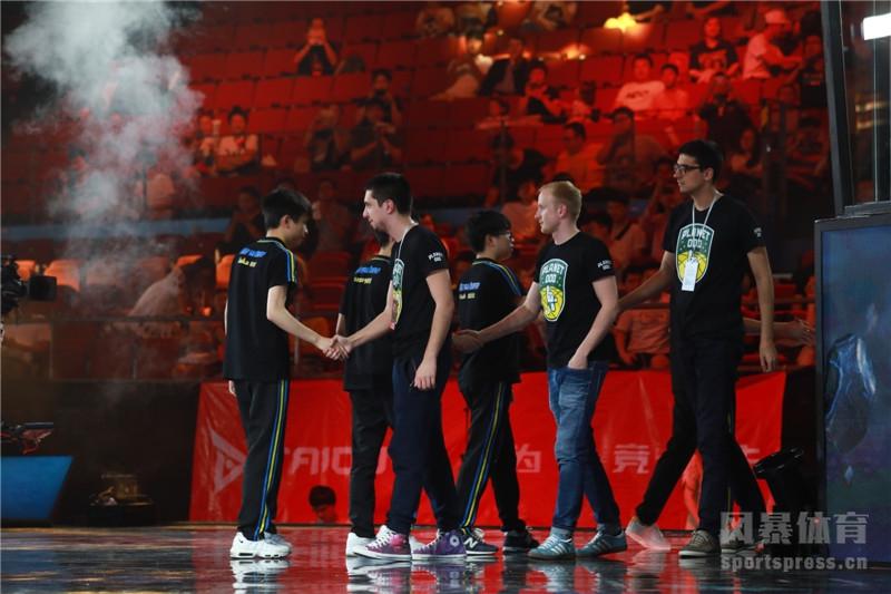 http://img.weizhuangfu.com/d/file/pic/1-20011Q34944-51.jpg