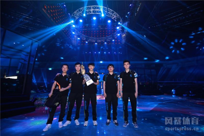 http://img.weizhuangfu.com/d/file/pic/1-20011Q34944-53.jpg