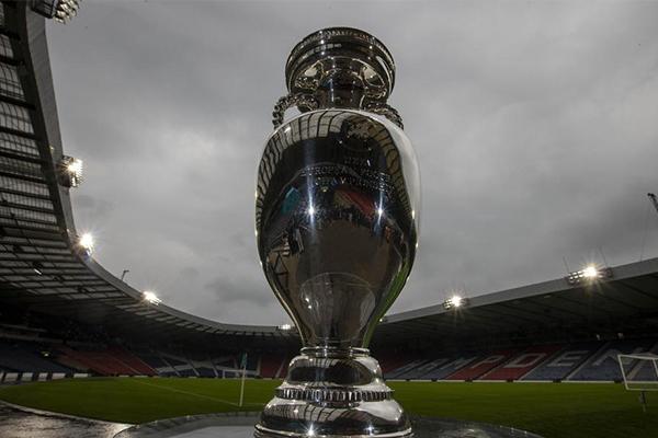 2021欧洲杯奖杯展览 他是每个国家队的梦想