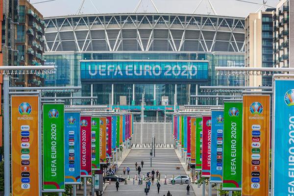 2021欧洲杯举办前夕 温布利大球场满满的足球风