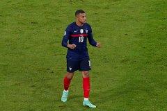 法国1-0战胜德国 胡梅尔斯送大礼