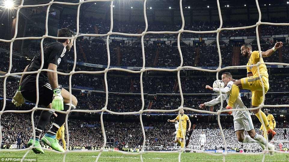 欧冠:C罗补时点球绝杀布冯染红 皇马1-3尤文依然晋级