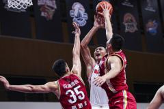 CBA季前赛:广东62-85山西 易建联重返赛场14+6邢志强17分