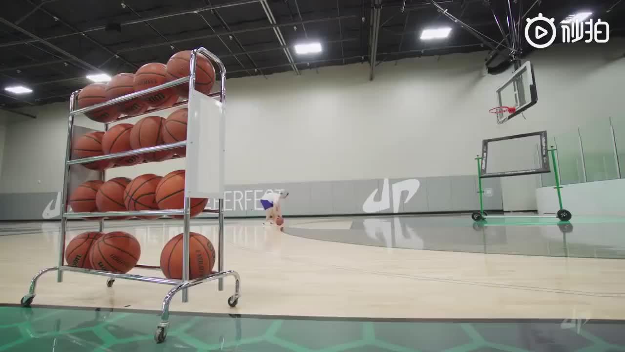 中了篮球的毒!大神展示他们的远距离抛物日常