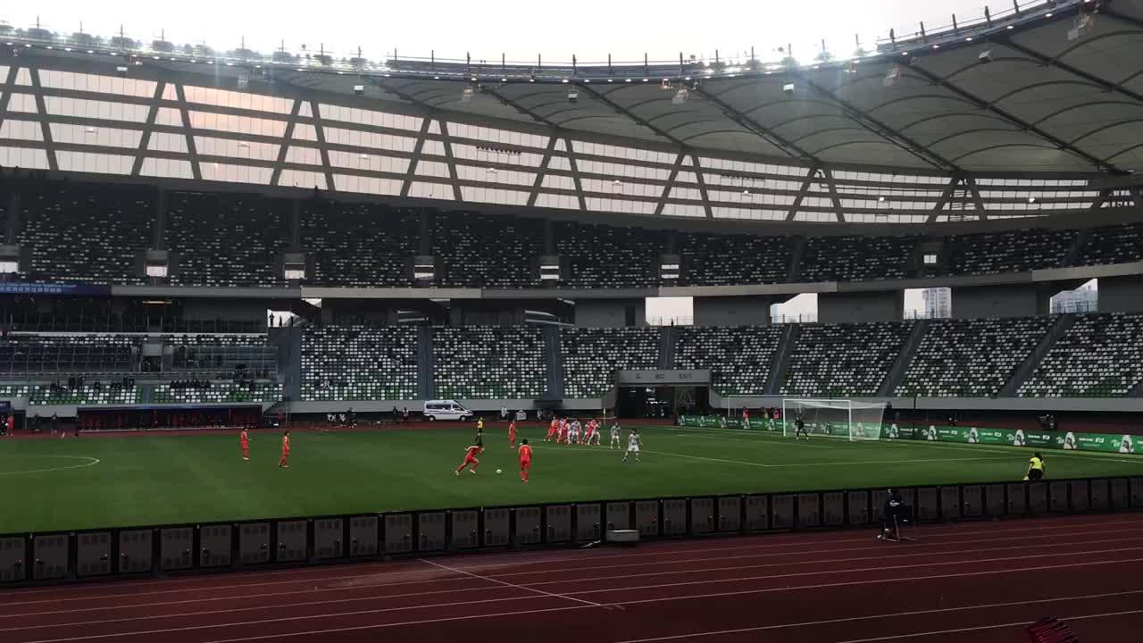 【直播吧在现场】实拍中国女足进球后的反应