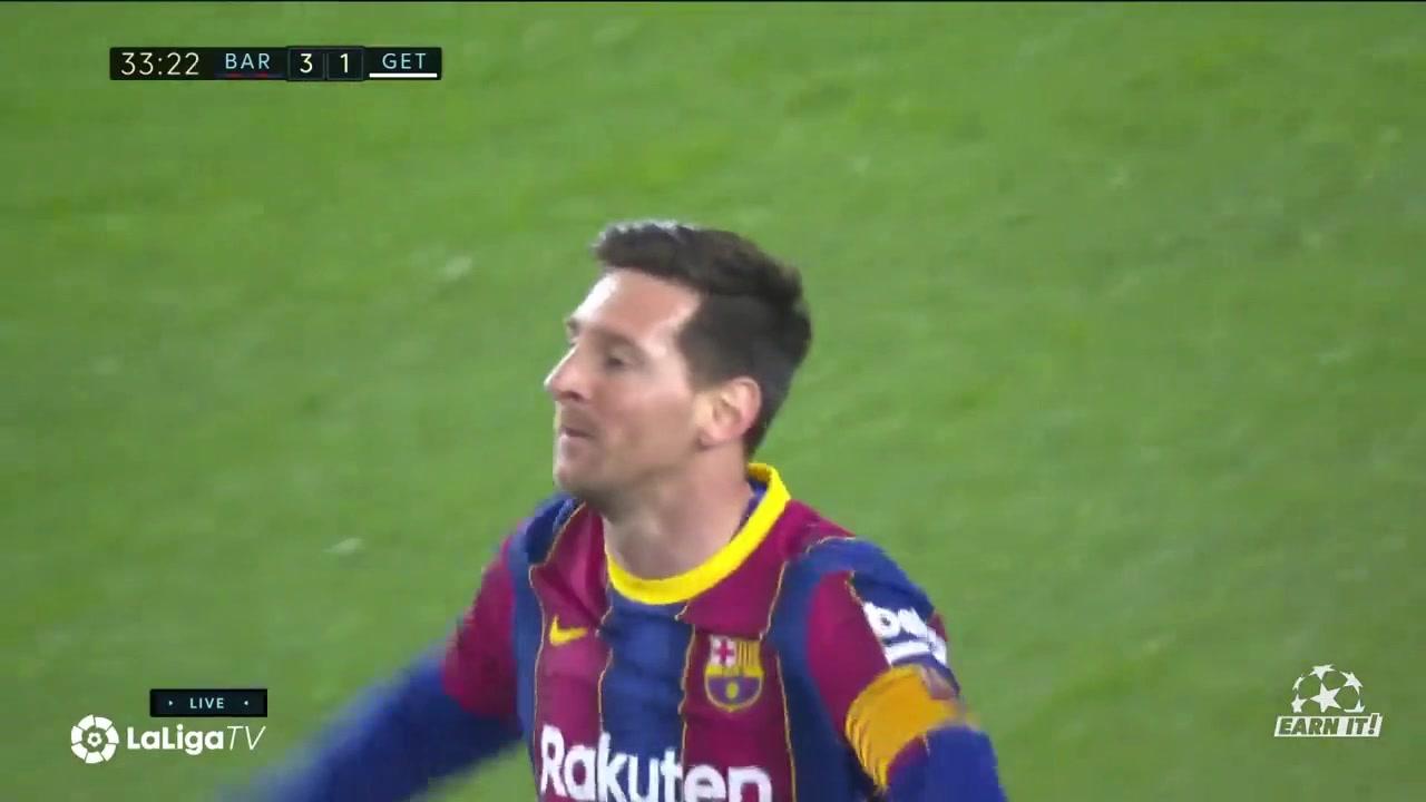 和门柱来了一个二过一?梅西右脚射门中柱左脚补射破门