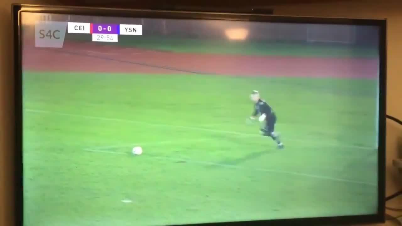 谁攻谁守?人类足球精华30秒