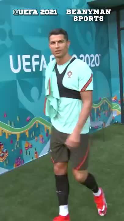 欧洲杯大战在即!C罗第一个来到球场训练
