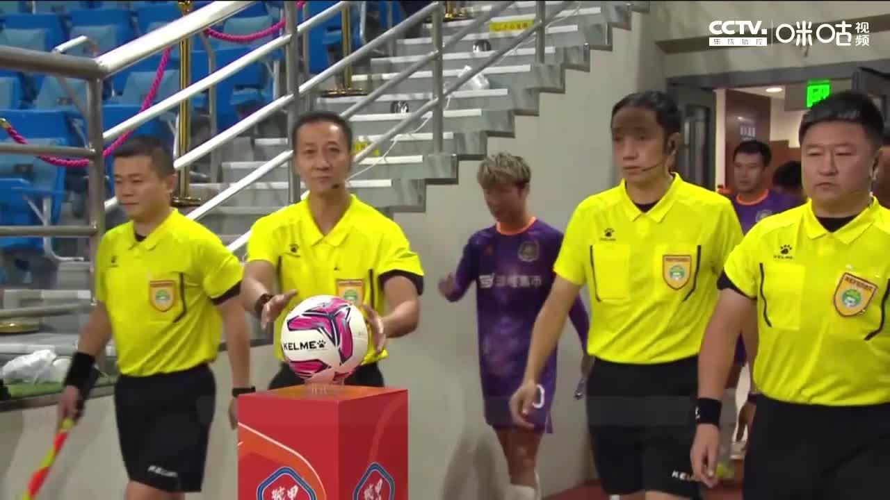 """中甲-张一诺""""南雄太式""""乌龙把球扔进自家大门 成都0-2黑龙江"""