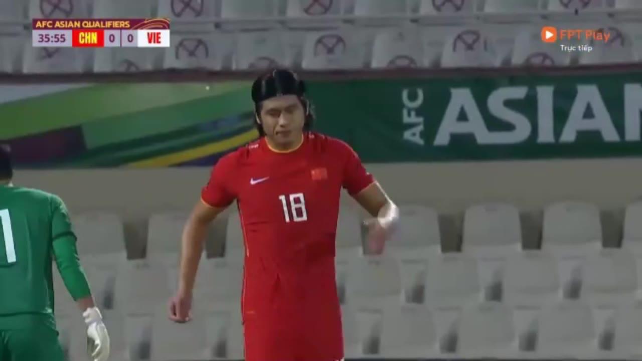 武磊绝杀沉默了!越南解说版本中国男足3-2胜越南