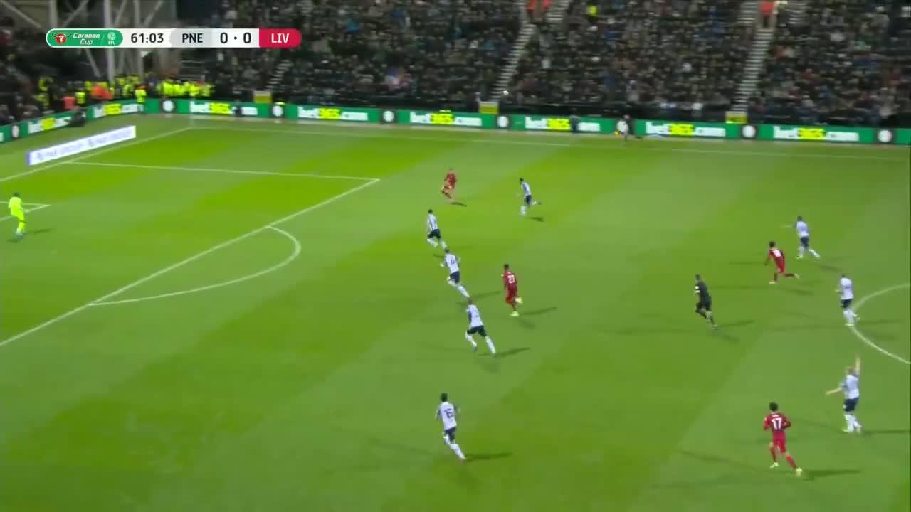 利物浦1-0领先!南野拓实接倒三角传球破门