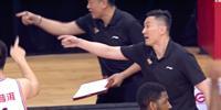 总决赛争议误判!郭白白给了2分 被裁判打消 杜锋愤慨地吼道