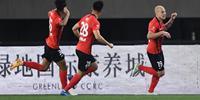 中超比赛再现绝对平!红牌!上海申花绝对去香港!点球!莫雷诺错过了机会