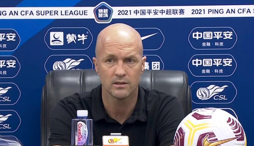 小克鲁伊夫:对于球队来说非常重要的是我们有机会在下半场干掉戴的那个进球