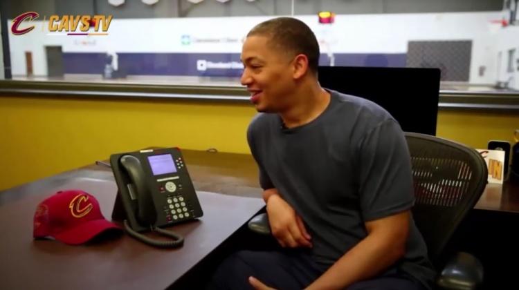 卢:伦纳德叫我视频 我拒绝了 我喜欢发短信交流