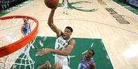 NBA季前赛:雄鹿130-110大胜雷霆 字母哥8 9米德尔顿14分多特19分