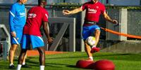 巴萨新援阿奎罗恢复情况良好 目前已参加球队部分训练