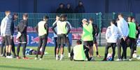 图片报:恩昆库训练中和主教练马希发生矛盾