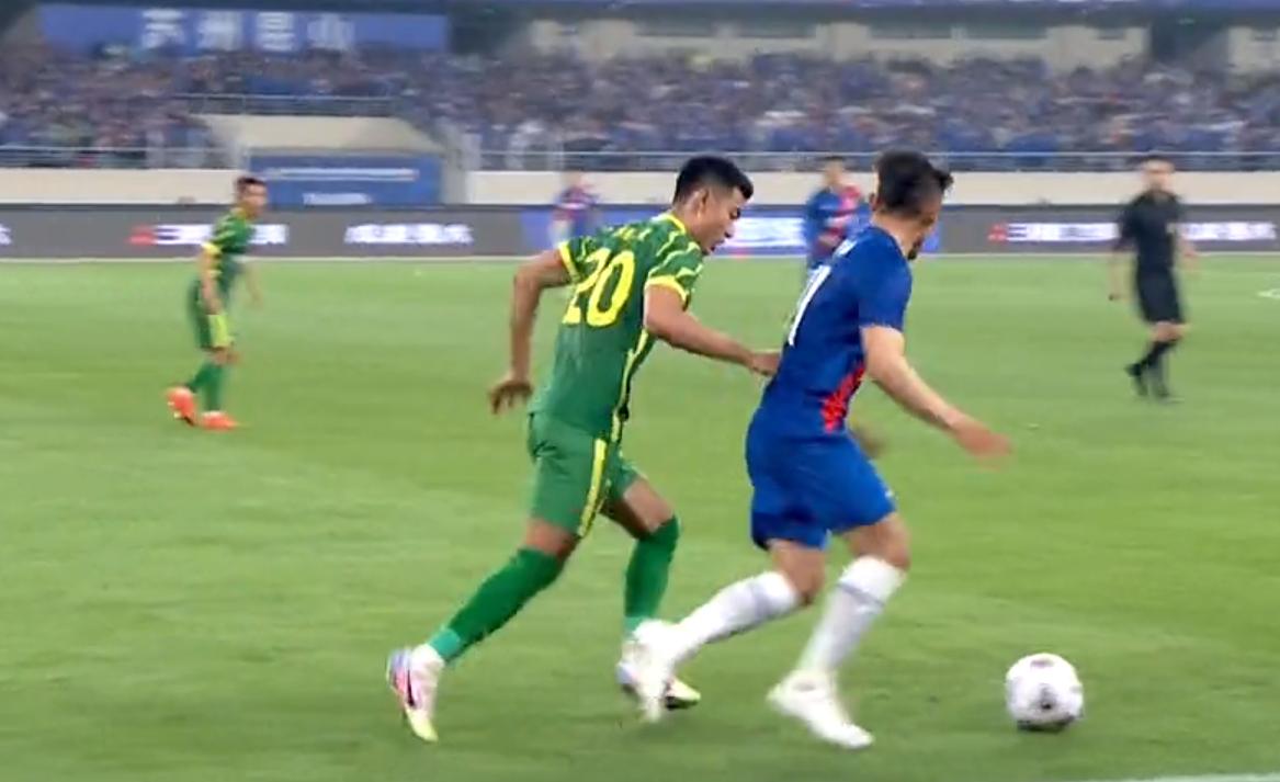中超联赛-莫雷诺传球给吴、李磊申花2-1力克国安