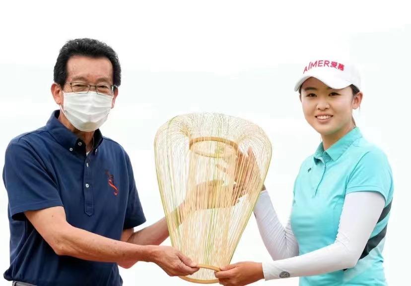 冯思敏首赢女子日巡二级赛