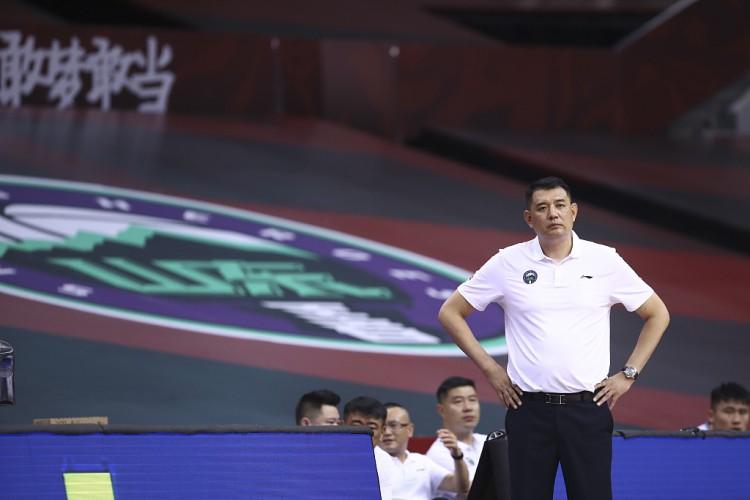 龚:广东的强硬防守让我们不适合对方的霸气是我们所欠缺的