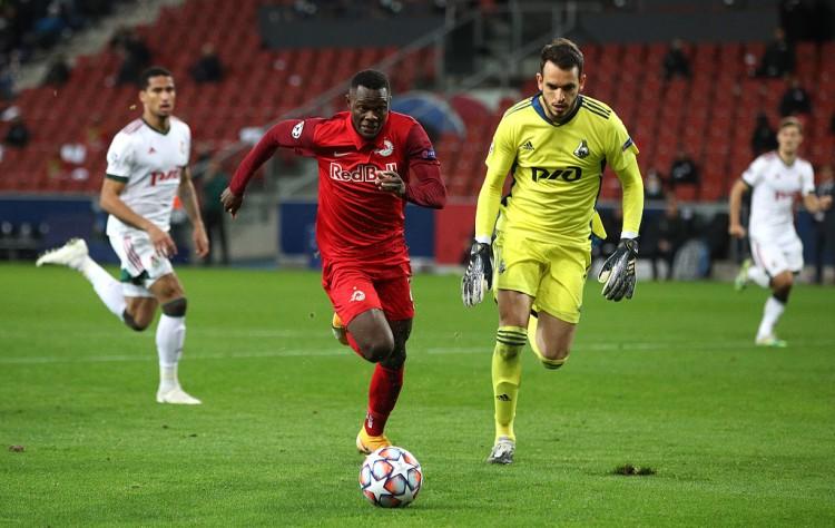 罗马诺:莱斯特签下萨尔茨堡前锋达卡 这名球员上赛季踢了42场比赛 进了34个球