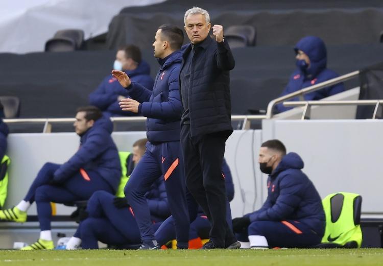 索帅:穆里尼奥现在曾经是个伟大的教练 他才是真正的赢家