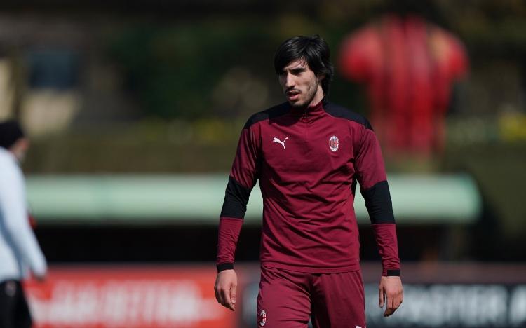 迪亚斯谈托纳利:即使他不能参加下一届欧洲青年锦标赛 我们也是对手