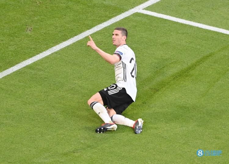 戈森斯:我的梦想是在德甲踢球 最好是为沙尔克效力