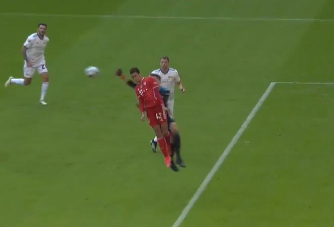 中场休息-穆西亚拉倒射门暂时创建保险拜仁0-0柏林联盟