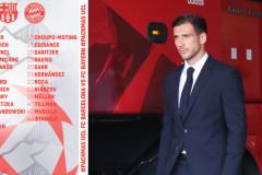 巴萨vs拜仁欧冠大名单孟菲斯pk莱万 德国国门巅峰对决