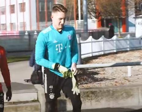 踢球者:沃尔夫斯堡有意引进拜仁年轻门将霍夫曼