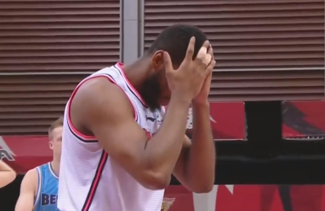 准传说!威姆斯贡献了25分 8个篮板和10次助攻