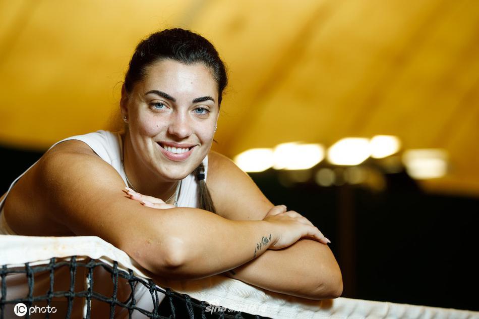 克罗地亚网球天才康纽拍摄写真 伤病归来青春洋溢
