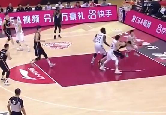 CBA-赵奇伟15 13 8辽宁胜浙江升级决赛