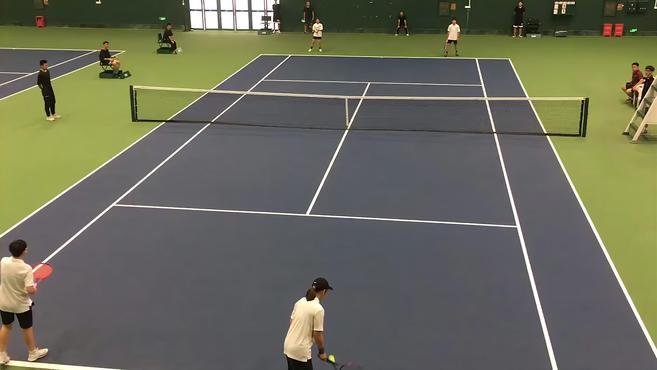 大学生网球高手首次亮相市运会