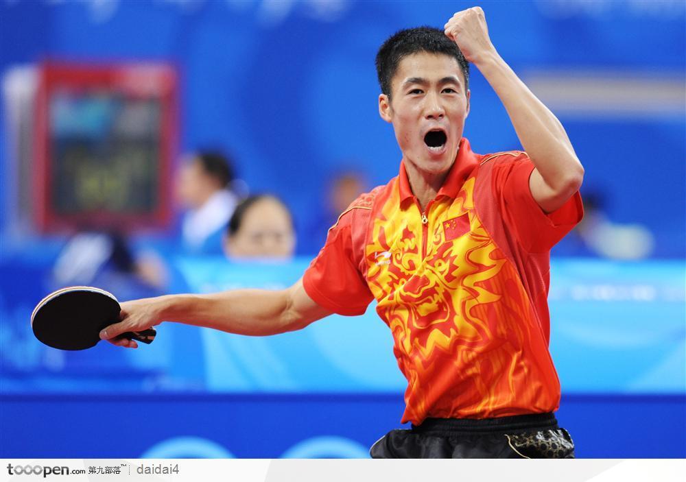 《乒乓球教学》拉下旋球时,怎样吃住球?牢记这几点!